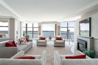 "Photo 4: 16 1861 BEACH Avenue in Vancouver: West End VW Condo for sale in ""Sylvia Tower"" (Vancouver West)  : MLS®# R2429538"