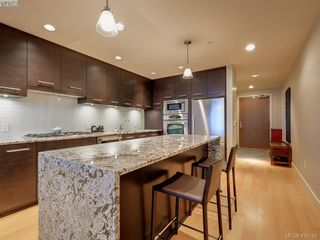 Photo 3: 303 3234 Holgate Lane in VICTORIA: Co Lagoon Condo Apartment for sale (Colwood)  : MLS®# 831596