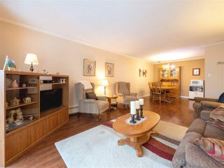 "Photo 3: 210 620 EIGHTH Avenue in New Westminster: Uptown NW Condo for sale in ""The Doncaster"" : MLS®# R2430327"