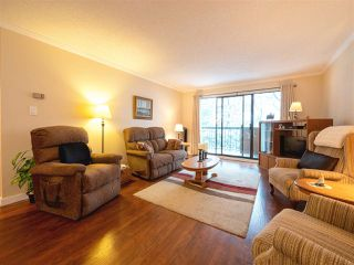 "Photo 2: 210 620 EIGHTH Avenue in New Westminster: Uptown NW Condo for sale in ""The Doncaster"" : MLS®# R2430327"