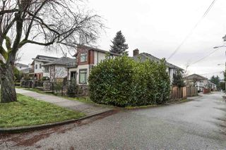 """Photo 2: 20 E 60TH Avenue in Vancouver: South Vancouver House for sale in """"SOUTH VANCOUVER"""" (Vancouver East)  : MLS®# R2434602"""
