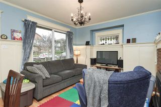 """Photo 4: 20 E 60TH Avenue in Vancouver: South Vancouver House for sale in """"SOUTH VANCOUVER"""" (Vancouver East)  : MLS®# R2434602"""