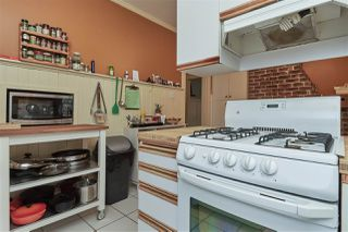 """Photo 9: 20 E 60TH Avenue in Vancouver: South Vancouver House for sale in """"SOUTH VANCOUVER"""" (Vancouver East)  : MLS®# R2434602"""