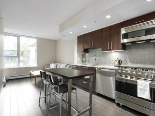 "Photo 3: 554 108 W 1ST Avenue in Vancouver: False Creek Condo for sale in ""OLYMPIC VILLAGE"" (Vancouver West)  : MLS®# R2437073"