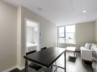 "Photo 15: 554 108 W 1ST Avenue in Vancouver: False Creek Condo for sale in ""OLYMPIC VILLAGE"" (Vancouver West)  : MLS®# R2437073"