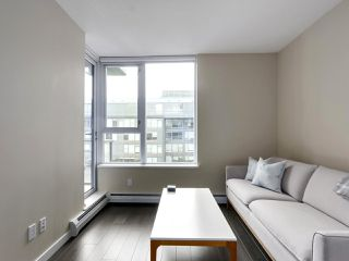 "Photo 6: 554 108 W 1ST Avenue in Vancouver: False Creek Condo for sale in ""OLYMPIC VILLAGE"" (Vancouver West)  : MLS®# R2437073"