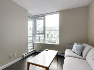 "Photo 5: 554 108 W 1ST Avenue in Vancouver: False Creek Condo for sale in ""OLYMPIC VILLAGE"" (Vancouver West)  : MLS®# R2437073"