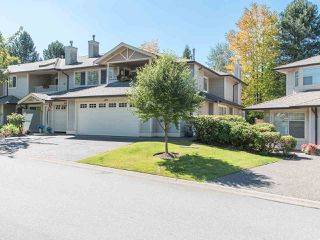"""Photo 3: 170 20391 96 Avenue in Langley: Walnut Grove Townhouse for sale in """"CHELSEA GREEN"""" : MLS®# R2494779"""