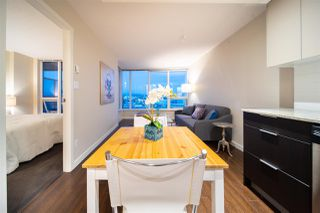 Photo 4: 1407 445 W 2ND Avenue in Vancouver: False Creek Condo for sale (Vancouver West)  : MLS®# R2508194