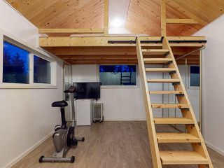 "Photo 38: 5627 CURRAN Road in Halfmoon Bay: Halfmn Bay Secret Cv Redroofs House for sale in ""CURRAN ROAD"" (Sunshine Coast)  : MLS®# R2517020"