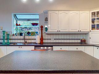 "Photo 10: 5627 CURRAN Road in Halfmoon Bay: Halfmn Bay Secret Cv Redroofs House for sale in ""CURRAN ROAD"" (Sunshine Coast)  : MLS®# R2517020"