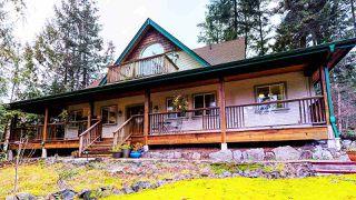 "Photo 1: 5627 CURRAN Road in Halfmoon Bay: Halfmn Bay Secret Cv Redroofs House for sale in ""CURRAN ROAD"" (Sunshine Coast)  : MLS®# R2517020"