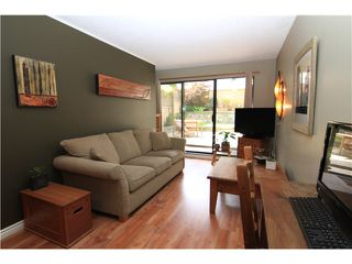 Photo 2: 107 808 E 8TH Avenue in Vancouver: Mount Pleasant VE Condo for sale (Vancouver East)  : MLS®# V957780