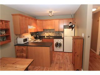 Photo 3: 107 808 E 8TH Avenue in Vancouver: Mount Pleasant VE Condo for sale (Vancouver East)  : MLS®# V957780