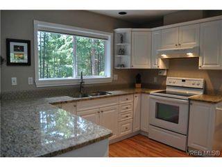 Photo 5: 709 Timberglen Pl in VICTORIA: Hi Western Highlands Single Family Detached for sale (Highlands)  : MLS®# 635399