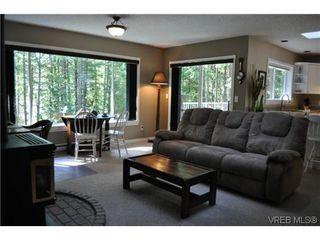 Photo 8: 709 Timberglen Place in VICTORIA: Hi Western Highlands Single Family Detached for sale (Highlands)  : MLS®# 321262