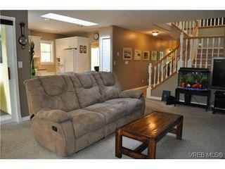 Photo 9: 709 Timberglen Place in VICTORIA: Hi Western Highlands Single Family Detached for sale (Highlands)  : MLS®# 321262
