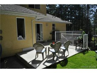 Photo 10: 709 Timberglen Place in VICTORIA: Hi Western Highlands Single Family Detached for sale (Highlands)  : MLS®# 321262