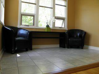 Photo 5: 241 Lanark Street in WINNIPEG: River Heights / Tuxedo / Linden Woods Residential for sale (South Winnipeg)  : MLS®# 1311402