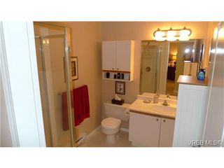Photo 7: VICTORIA TOWNHOME / TOWNHOUSE = VICTORIA REAL ESTATE Sold With Ann Watley!