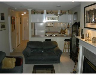 Photo 3: # 213 3638 W BROADWAY BB in Vancouver: Kitsilano Condo for sale (Vancouver West)  : MLS®# V763121