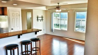 Photo 6: PACIFIC BEACH Townhome for sale : 2 bedrooms : 1605 Emerald in San Diego