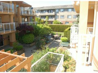 Photo 10: # 212 15185 22 AV in Surrey: Sunnyside Park Surrey Condo for sale (South Surrey White Rock)  : MLS®# F1413789