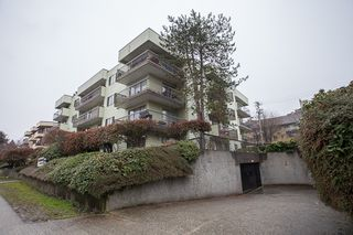 Photo 2: #105-334 E 5th. in Vancouver: Mount Pleasant VW Condo for sale (Vancouver West)  : MLS®# v1054176