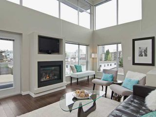 Photo 1: # PH2 1288 CHESTERFIELD AV in North Vancouver: Central Lonsdale Condo for sale : MLS®# V1123799