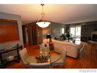 Photo 3: 305 91 Swindon Way in Winnipeg: River Heights / Tuxedo / Linden Woods Apartment for sale (South Winnipeg)  : MLS®# 1415122