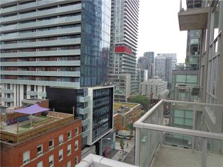 Photo 4: 36 Charlotte St Unit #902 in Toronto: Waterfront Communities C1 Condo for sale (Toronto C01)  : MLS®# C3562647