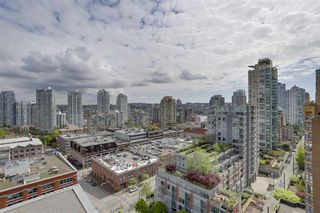 Photo 4: 1701 1088 Richards Street in Vancouver: Yaletown Condo for sale (Vancouver West)