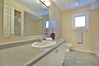 Photo 5: 2118 Grenville Dr in : 1018 - WC Wedgewood Creek FRH for sale (Oakville)  : MLS®# OM2082300