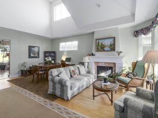 "Photo 3: 55 5900 FERRY Road in Delta: Neilsen Grove Townhouse for sale in ""CHESAPEAKE LANDING"" (Ladner)  : MLS®# R2417240"