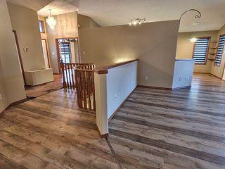 Photo 3: 3804 42 Street in Edmonton: Zone 29 House for sale : MLS®# E4183415
