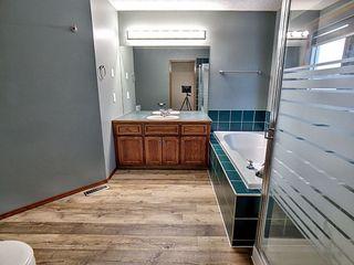 Photo 12: 3804 42 Street in Edmonton: Zone 29 House for sale : MLS®# E4183415