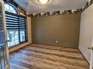 Photo 5: 3804 42 Street in Edmonton: Zone 29 House for sale : MLS®# E4183415