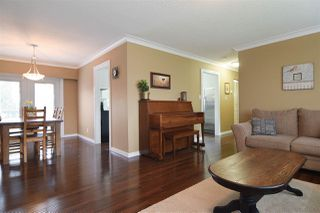 Photo 3: 27571 32A Avenue in Langley: Aldergrove Langley House for sale : MLS®# R2438545