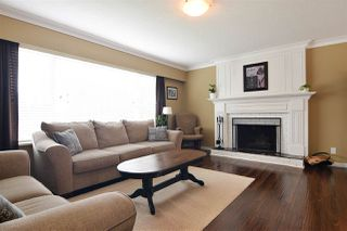 Photo 2: 27571 32A Avenue in Langley: Aldergrove Langley House for sale : MLS®# R2438545