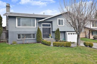 Photo 1: 27571 32A Avenue in Langley: Aldergrove Langley House for sale : MLS®# R2438545