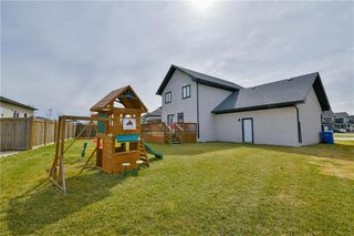Photo 4: 19 WYNDHAM Court in Niverville: Fifth Avenue Estates Residential for sale (R07)  : MLS®# 202009483