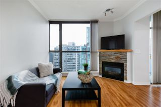 """Photo 4: 2704 928 RICHARDS Street in Vancouver: Yaletown Condo for sale in """"SAVOY"""" (Vancouver West)  : MLS®# R2457880"""