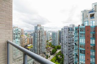"""Photo 14: 2704 928 RICHARDS Street in Vancouver: Yaletown Condo for sale in """"SAVOY"""" (Vancouver West)  : MLS®# R2457880"""