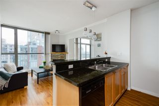 """Photo 8: 2704 928 RICHARDS Street in Vancouver: Yaletown Condo for sale in """"SAVOY"""" (Vancouver West)  : MLS®# R2457880"""