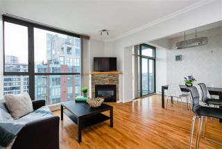 """Photo 3: 2704 928 RICHARDS Street in Vancouver: Yaletown Condo for sale in """"SAVOY"""" (Vancouver West)  : MLS®# R2457880"""