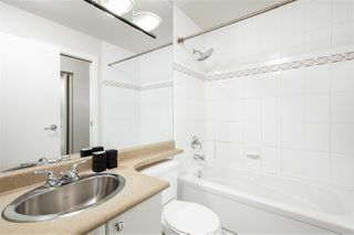 """Photo 13: 2704 928 RICHARDS Street in Vancouver: Yaletown Condo for sale in """"SAVOY"""" (Vancouver West)  : MLS®# R2457880"""