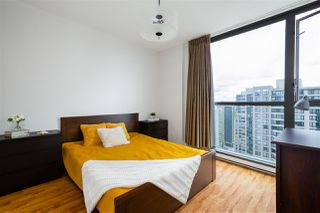 """Photo 11: 2704 928 RICHARDS Street in Vancouver: Yaletown Condo for sale in """"SAVOY"""" (Vancouver West)  : MLS®# R2457880"""