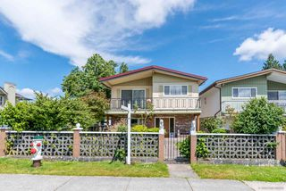 Photo 2: 4303 PANDORA Street in Burnaby: Vancouver Heights House for sale (Burnaby North)  : MLS®# R2470474