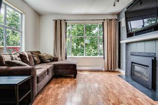"""Photo 3: 113 2450 HAWTHORNE Avenue in Port Coquitlam: Central Pt Coquitlam Townhouse for sale in """"COUNTRY ESTATES"""" : MLS®# R2473608"""