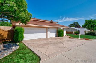 Photo 2: UNIVERSITY CITY House for sale : 4 bedrooms : 6165 Radcliffe Dr in San Diego